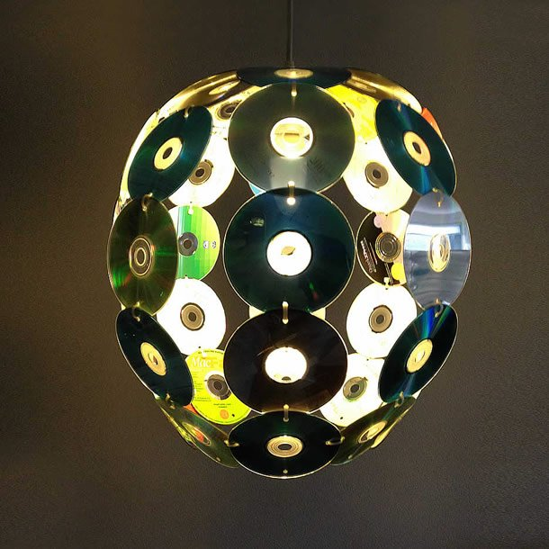 DIY: Old CDs transformed into CDegg pendant by Gilbert de Rooij – upcycleDZINE