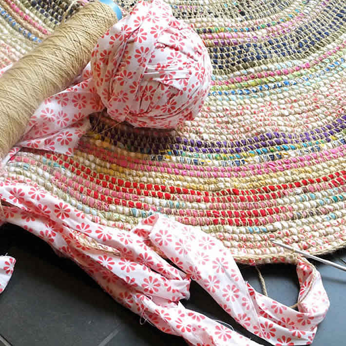 DIY: Coil & Crochet Scrap Fabric Rug by My Poppet – upcycleDZINE